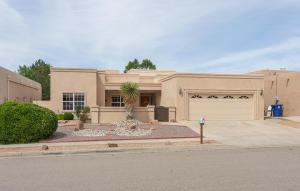 8405 Petaluma Drive NE, Albuquerque, NM 87122