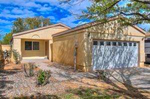 948 Charles Drive NE, Rio Rancho, NM 87144