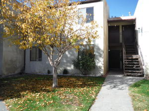 919 Country Club Drive SE, APT C, Rio Rancho, NM 87124