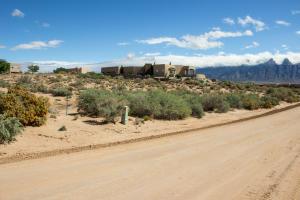 6517 Milpa Alta Road NE
