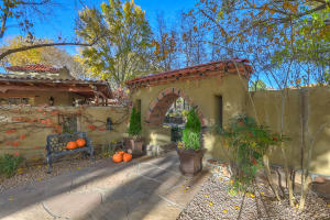 Property for sale at 5435 Eakes Road NW, Los Ranchos,  NM 87107