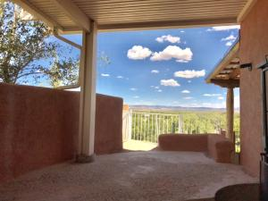 716 Luna Road SW, Albuquerque, NM 87105