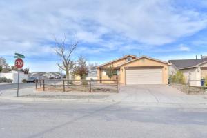 7015 Dona Angelica Avenue SW, Albuquerque, NM 87121
