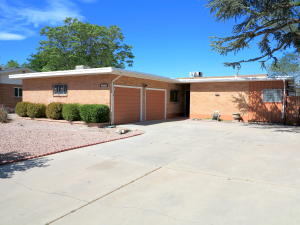 1301 Arizona Street NE