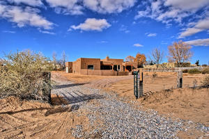 117 Doolittle Rd Corrales NM-large-055-5