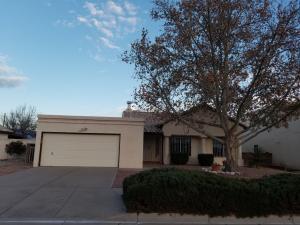 2104 Rosewood Avenue NW, Albuquerque, NM 87120