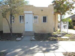 1314 Los Tomases Drive NW, Albuquerque, NM 87102