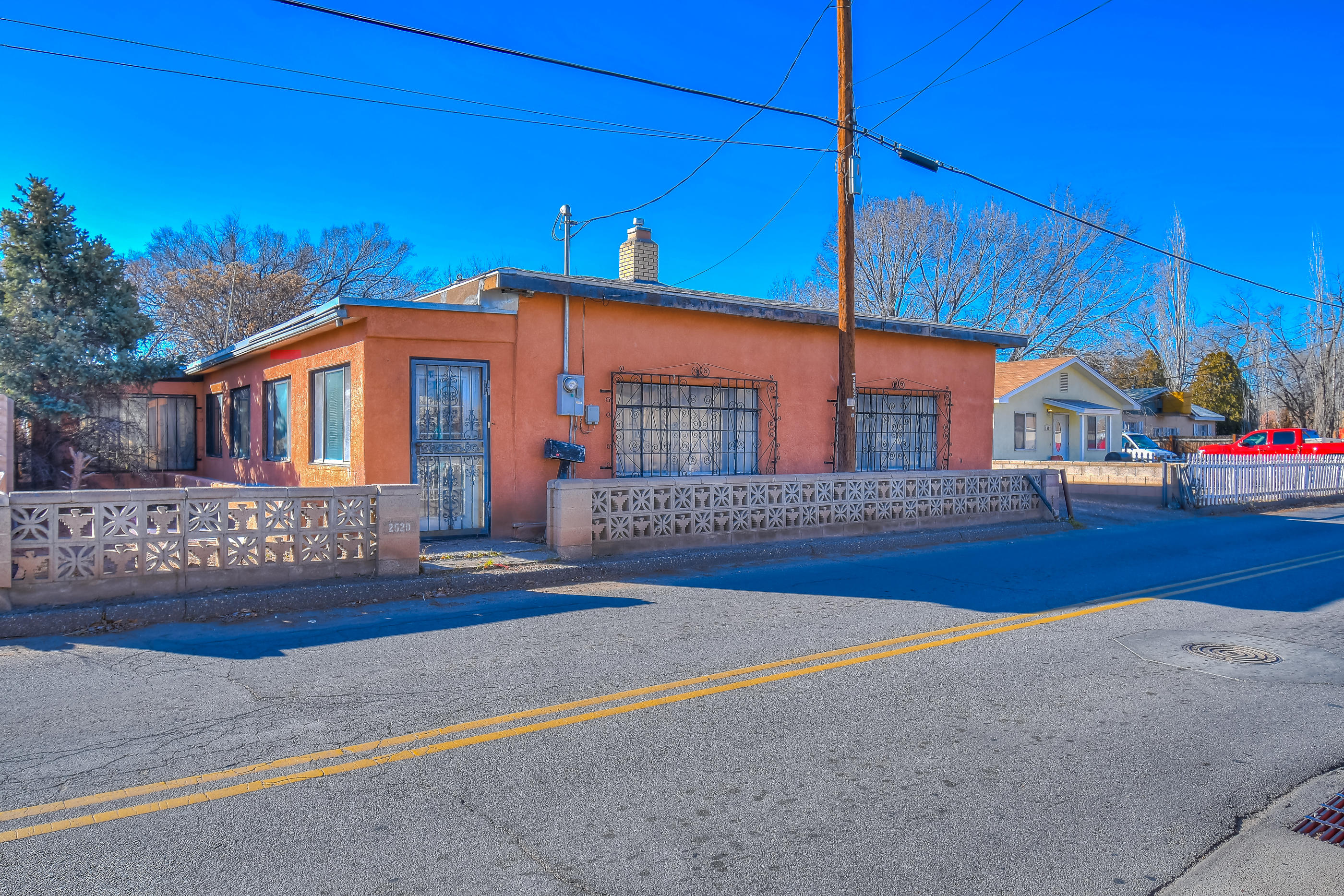 2520 Mountain Road, Albuquerque NM 87104
