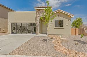 5901 Ermemin Avenue NW, Albuquerque, NM 87114