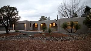 9901 Academy Knolls Drive NE, Albuquerque, NM 87111