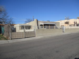 235 Estancia Drive NW, Albuquerque, NM 87105