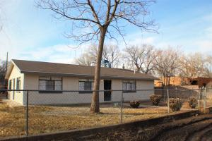1001 Bonito Road SW, Albuquerque, NM 87105