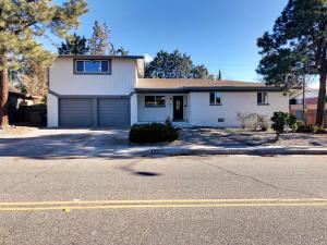8300 Dellwood Road NE, Albuquerque, NM 87110