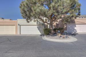 5125 Pinata Place NE, Albuquerque, NM 87109