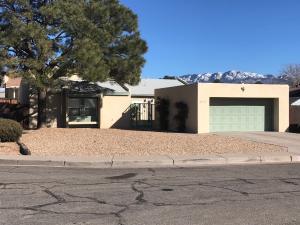 6415 Belcher Court NE, Albuquerque, NM 87109