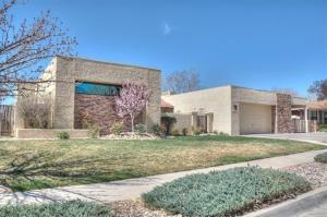 6025 Casa Feliz NE, Albuquerque, NM 87111