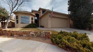 6108 Wildflower Trail NE