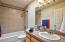 Full hall bath for 2 bedrooms
