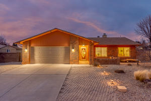 9513 Academy Hills Drive NE, Albuquerque, NM 87111