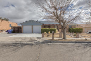 7216 Mojave Street NW, Albuquerque, NM 87120