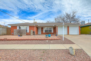 1512 Boatright Drive NE, Albuquerque, NM 87112