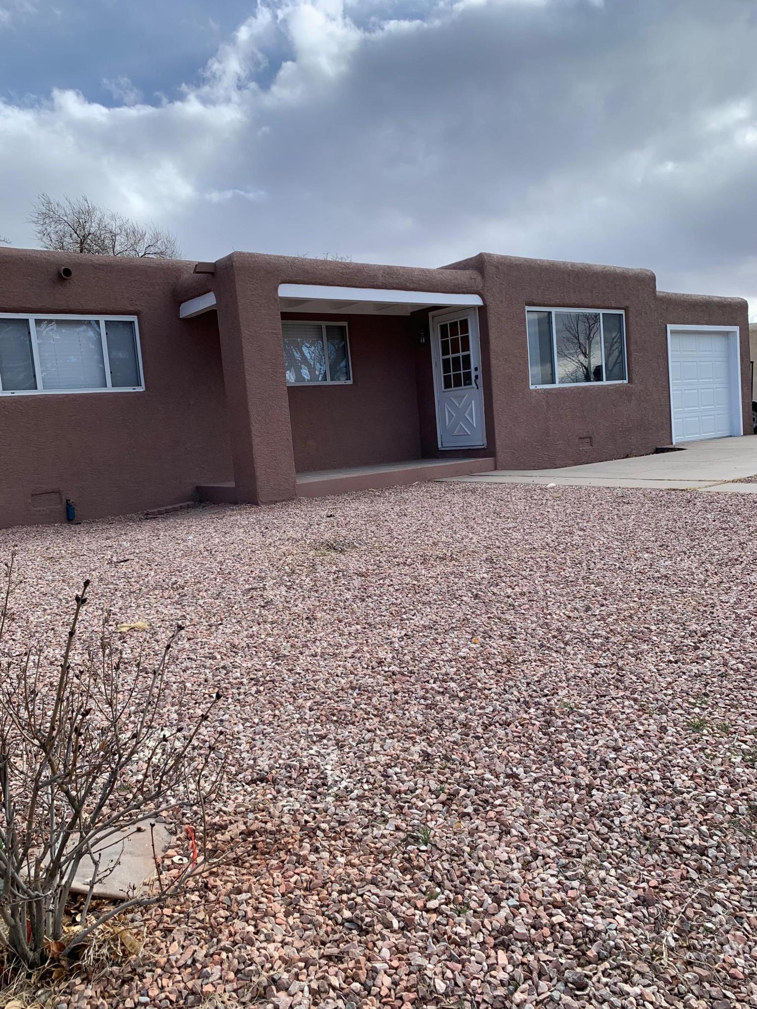 3806 Veranda Road, Albuquerque NM 87110