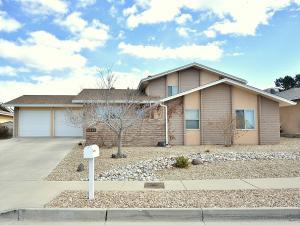 8229 Otero Avenue NE, Albuquerque, NM 87109