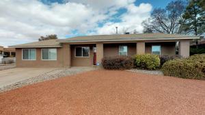 10017 Malaguena Lane NE, Albuquerque, NM 87111