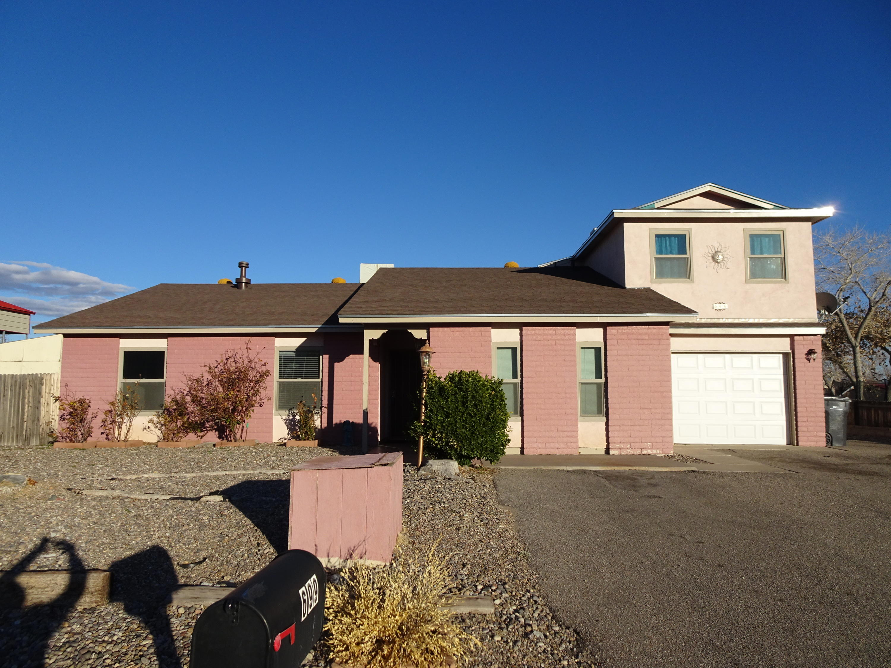 699 Zuni Road, Rio Rancho NM 87124