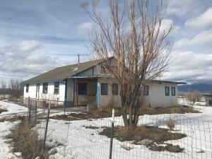 128 Chanclas Road, Ranchos de Taos, NM 87557