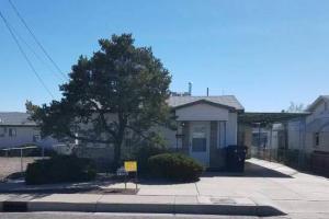 542 Aztec Road NW, Albuquerque, NM 87107