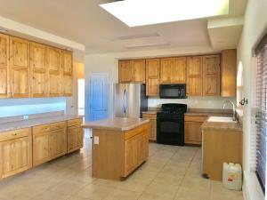 5660 Iris Road NE, Rio Rancho, NM 87144