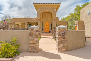 105 Rome Lane, Corrales, NM 87048
