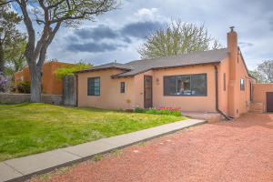 413 Wellesley Drive SE, Albuquerque, NM 87106