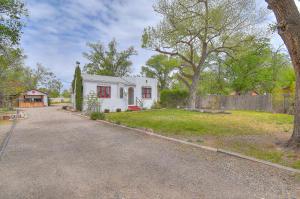 807 Armijo Road SW, Albuquerque, NM 87105