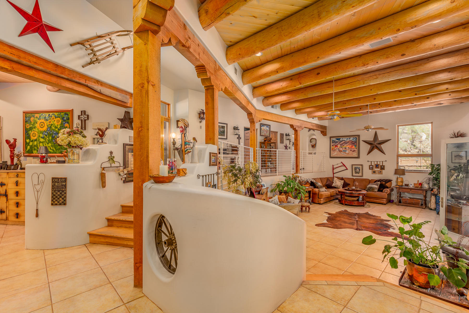 Custom Nichos and Open Living Space