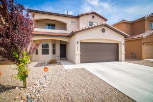 5816 Ermemin Avenue NW, Albuquerque, NM 87114