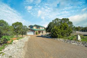 34 Snowflake Trail, Edgewood, NM 87015