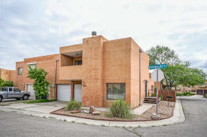 2010 Dartmouth Drive NE, Albuquerque, NM 87106