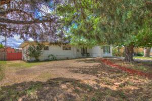 1018 Claudine Street NE, Albuquerque, NM 87112