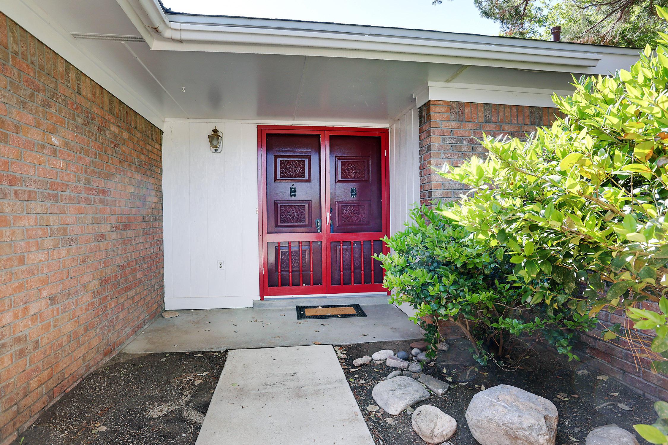 808 Sagebrush Court SE, Albuquerque, NM 87123-4121
