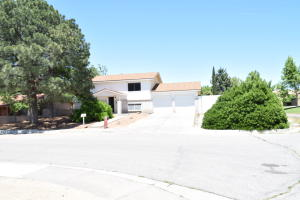 6523 Martin Court NE, Albuquerque, NM 87109