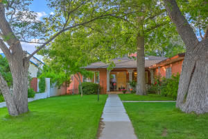 1511 Sigma Chi Road NE, Albuquerque, NM 87106