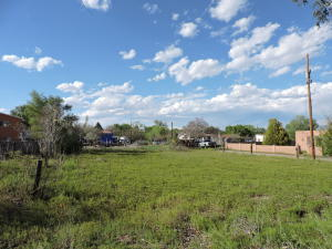 2724 Malpais Road SW, Albuquerque, NM 87121
