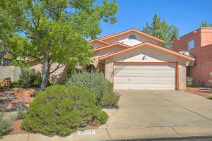 6717 Gleason Avenue NW, Albuquerque, NM 87120