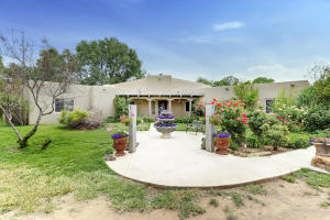 Property for sale at 111 Fresquez Lane NE, Albuquerque,  NM 87113