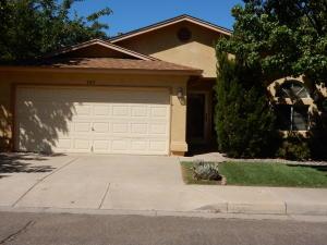309 Fairmount Park Avenue NE, Albuquerque, NM 87123