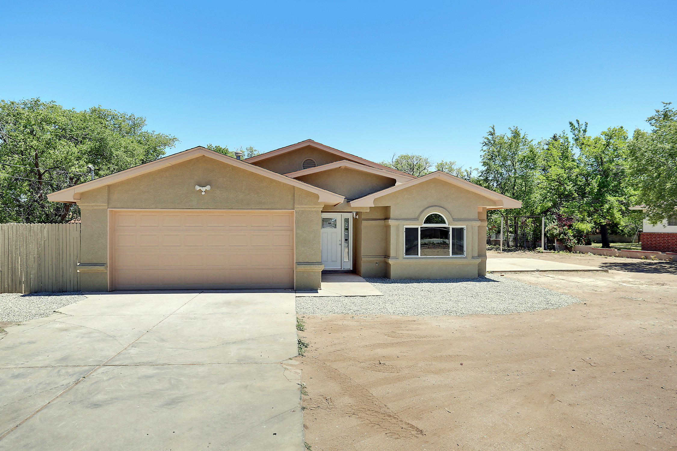 1220 Tapia Road, Albuquerque NM 87105