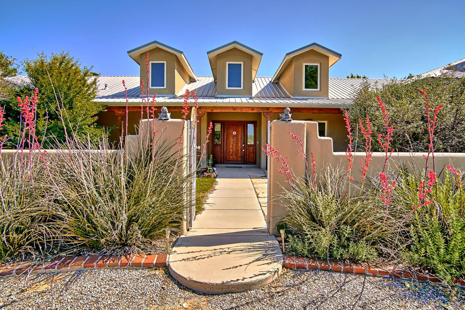 800 Mission Valley Rd Corrales-large-005