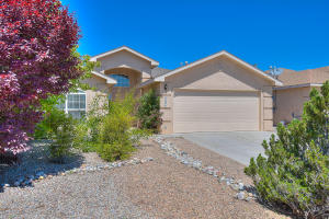 10201 Country Sage Court NW, Albuquerque, NM 87114